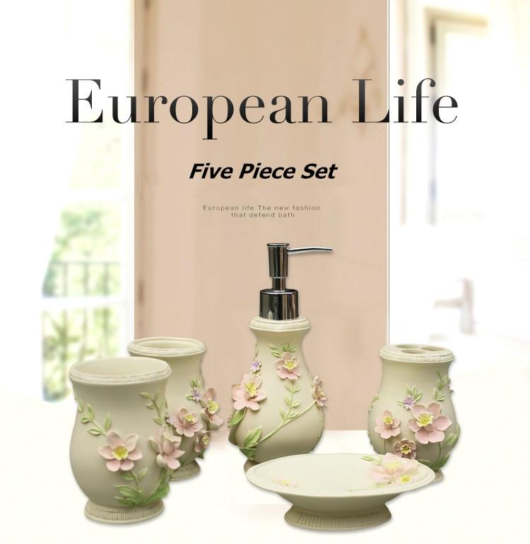 European Life Five Pieces Set Bathroom Accessorries Set Liquid Soap Dispenser Porcelain Soap Toothbrush Holder Home