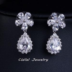 Image 2 - CWWZircons Acessórios De Noiva Cor de Ouro Branco Espumante Cubic Zirconia Cristal conjuntos de Jóias para o Casamento Da Dama de honra Presente T120