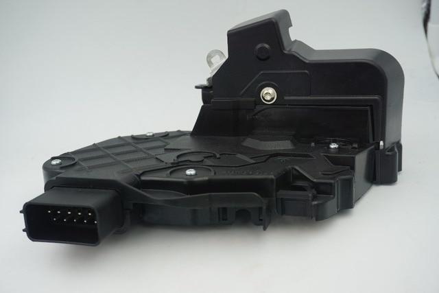 LR011302 LR072414 New rear right car door latch Mechanism for Evoque