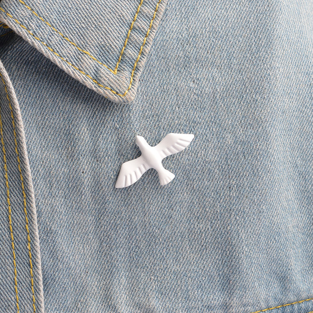 Simple Retro White Pigeon Brooch Enamel Pins Jewelry Brooches Gifts For Women Jewellery Animal Pin Bts Acessorios Bijoux Femme