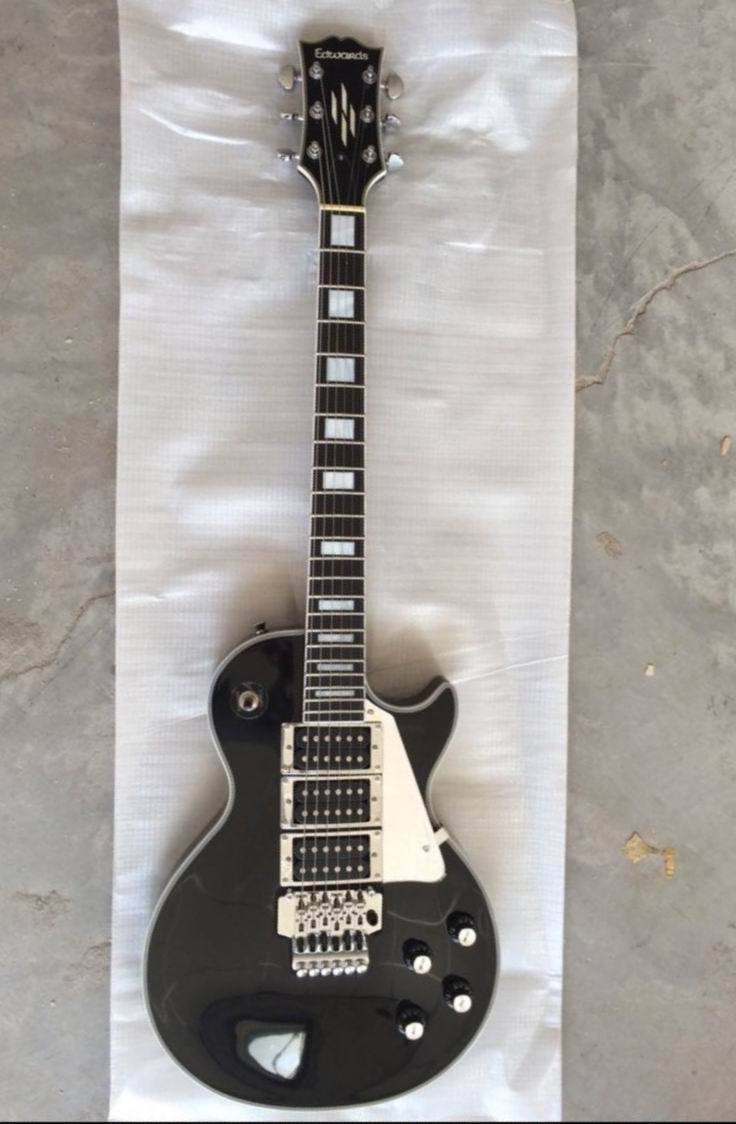 Wholesale New  LP Custom electric guitar mahogany body/neck 3 pickups black electric guitar with floyd rose tremolo 141109 electric guitar g lp custom black beaty oem brand electric guitar with 3 pickups guitarra guitar in china
