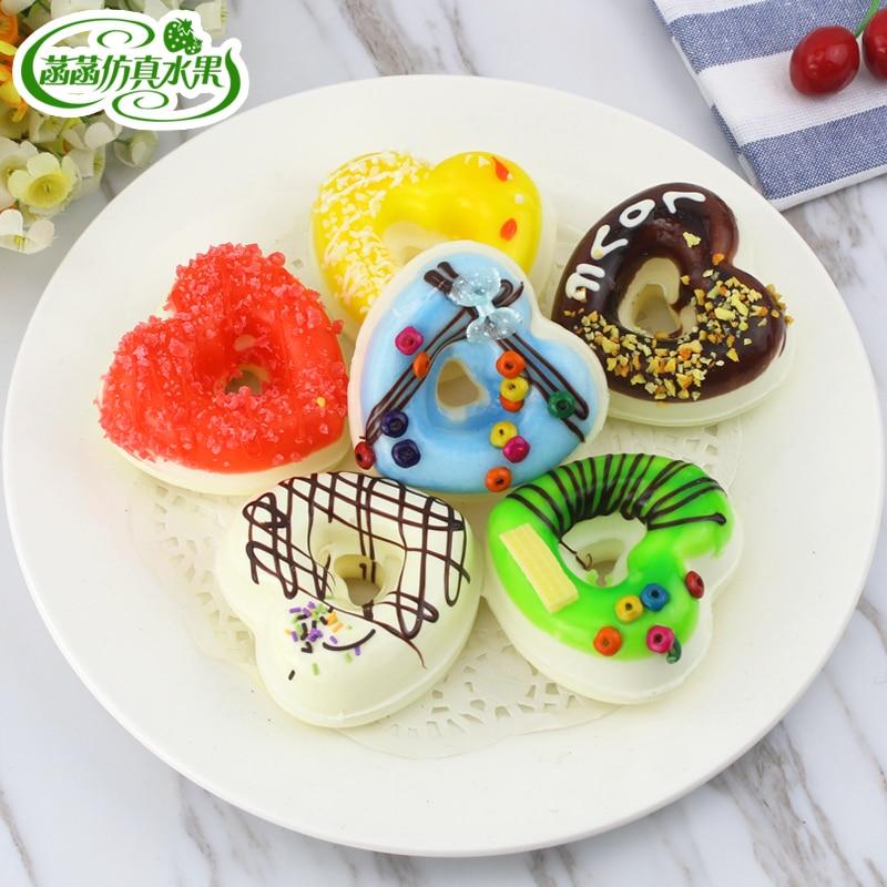 인공 케이크 심장 도넛 형 인공 식품 모델 사진 소품 집 부엌 캐비닛 디저트 장식 찻잔