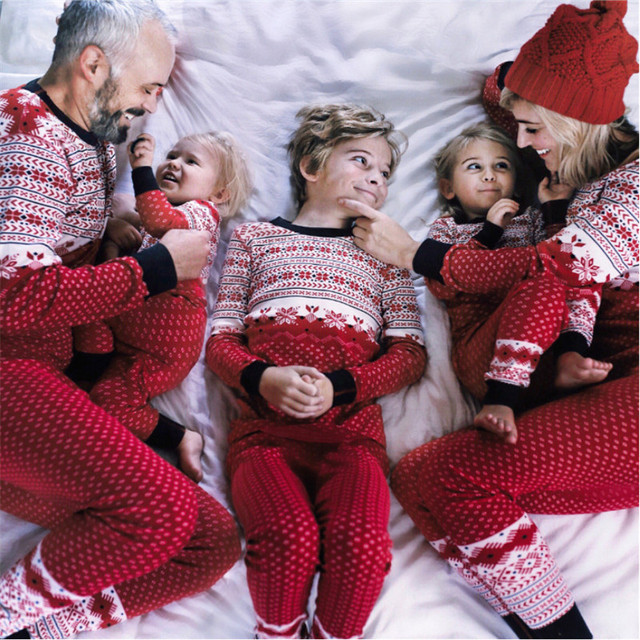 Family Matching Christmas Snowflake Pajamas Set Baby Kids Adult Sleepwear  Nightwear Pyjamas Casual Dad Mom Boy Girl Clothes Suit cd5714ed2
