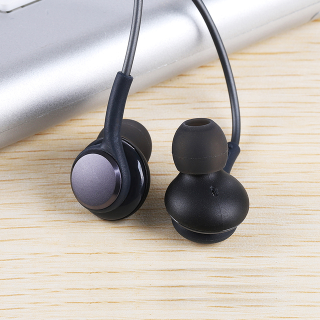 Sport Earphone Super Bass 3.5mm Headset Wired Earphones Earbud with Microphone Hands Free for Smartphone Samsung Galaxy S8 IG955