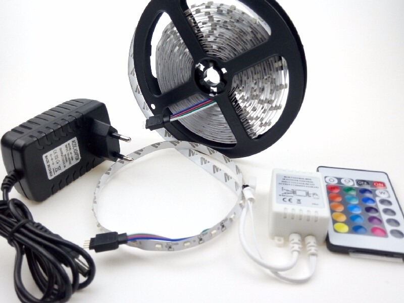 Dc 12v smd 3528 rgb led strips lights lighting 300leds 5m for Dc motor light led