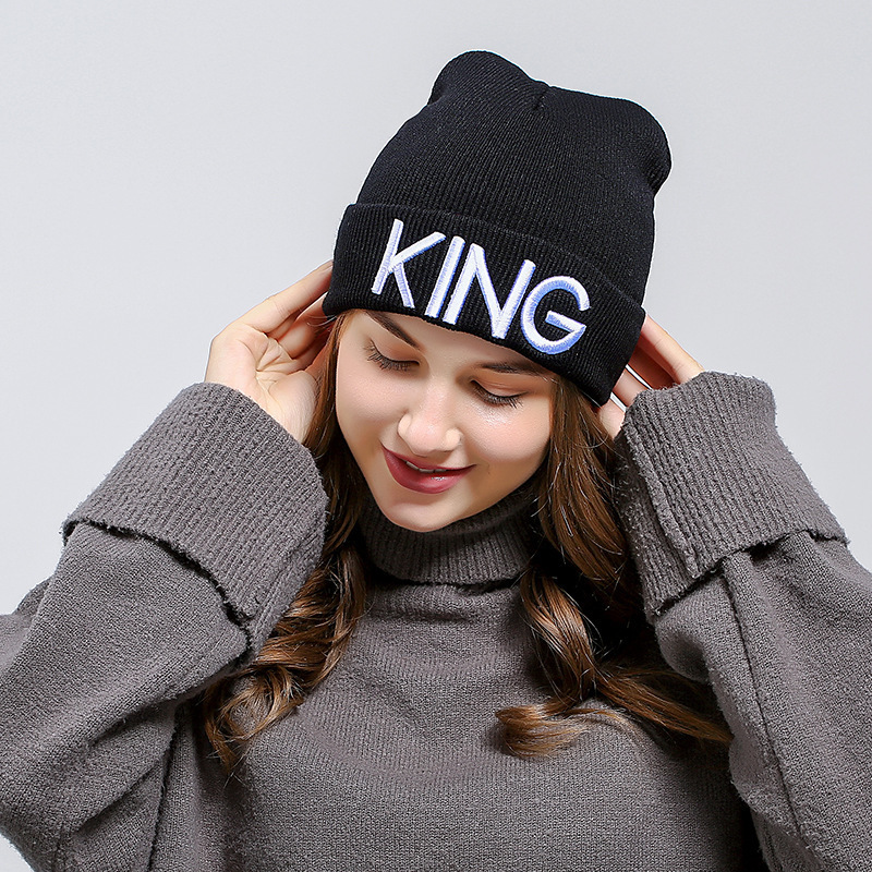 HTB1FlD0XEvrK1RjSszfq6xJNVXam - Beanies Cap KING QUEEN Letter Embroidery Warm Winter Hat Knitted Cap Hip Hop Men Women Lovers Street Dance Bonnet Skullies Black