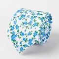 2017 Moda Floral Corbatas Para Los Hombres de Algodón 6 cm Azul Pequeño Floral Bowtie Corbata Gravatas Delgados para el Banquete de Boda Corbatas