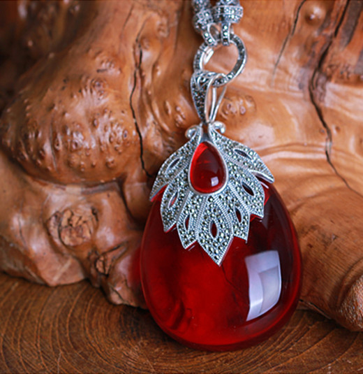 Silver 925 sterling silver Thai silver necklace garnet pendant pendant large droplets female model of the real thing 925 sterling silver pendant thai silver natural green agate pendant locket female ruby pendant