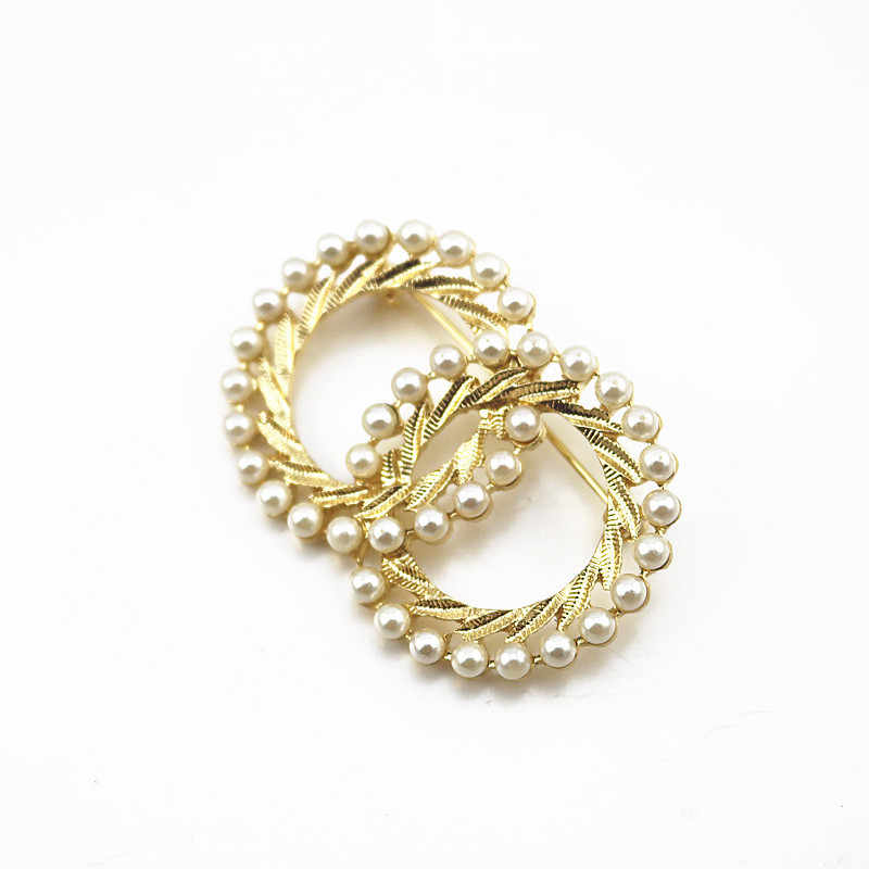 Sombrero camisas solapa Pin insignia para Mujeres Hombres pareja 1 bolsa doble círculo imitación perla bufanda suéter Color oro falda de aleación