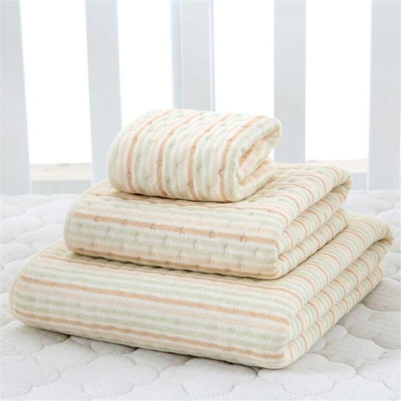 Baby Newborn Feeding Square Towels Handkerchief Baby Summer Cotton Waterproof Washable Breathable Anti-Mat Pad Newborn Mattress