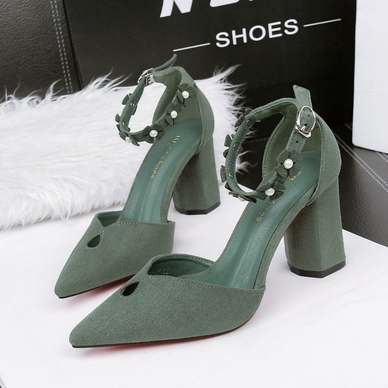 2019 Summer Women Pointed Toe  Flower Strap Pumps 7.5cm Block Heels Sandals Fashion Faux Suede Sexy Heart Shape Platform Shoes