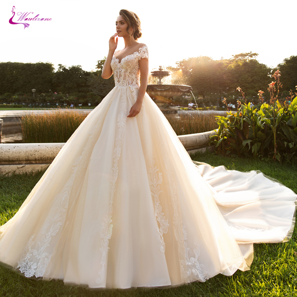 Wedding Ball Gowns Sweetheart Neckline: Waulizane Noble Champagne Color Sweetheart Neckline Of