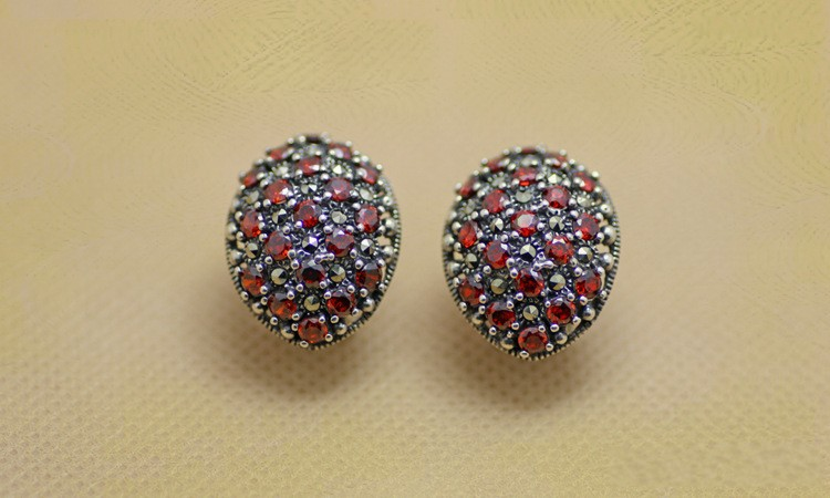 S925 Thai silver palace retro female models natural garnet earrings Marcasite s925 pure silver personality female models new beeswax