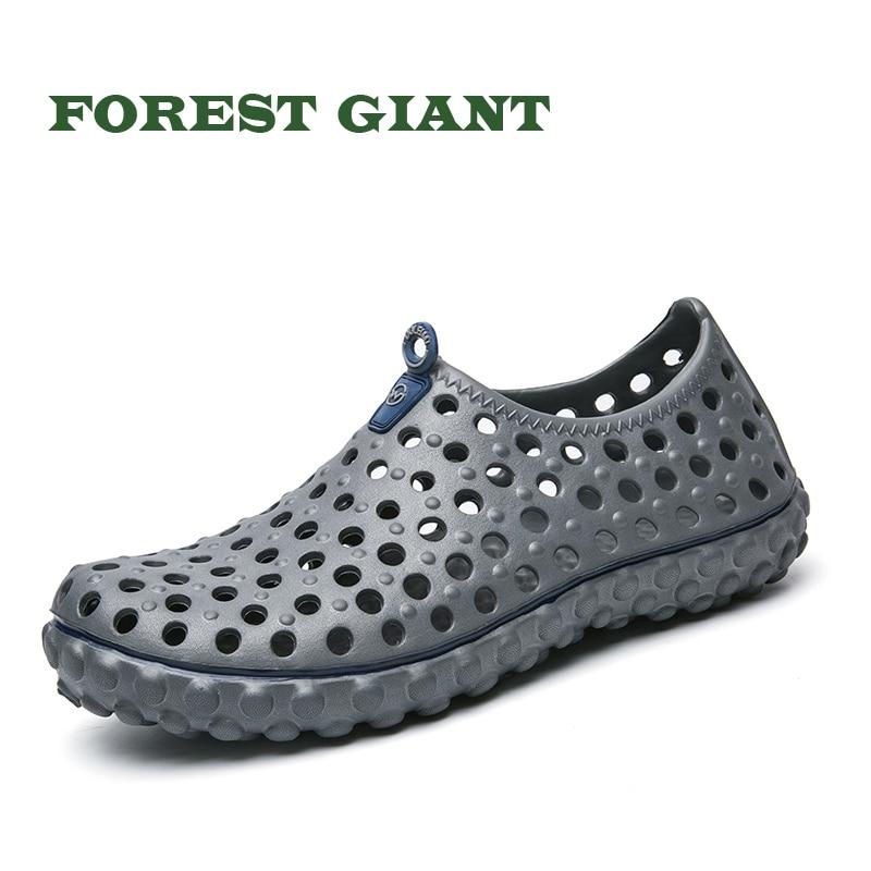 FOREST GIANT Men Outdoor Sandals Breathable Hollow out Beach Sandals Garden Holes Shoes Fashion Men Beach Sandals 2255