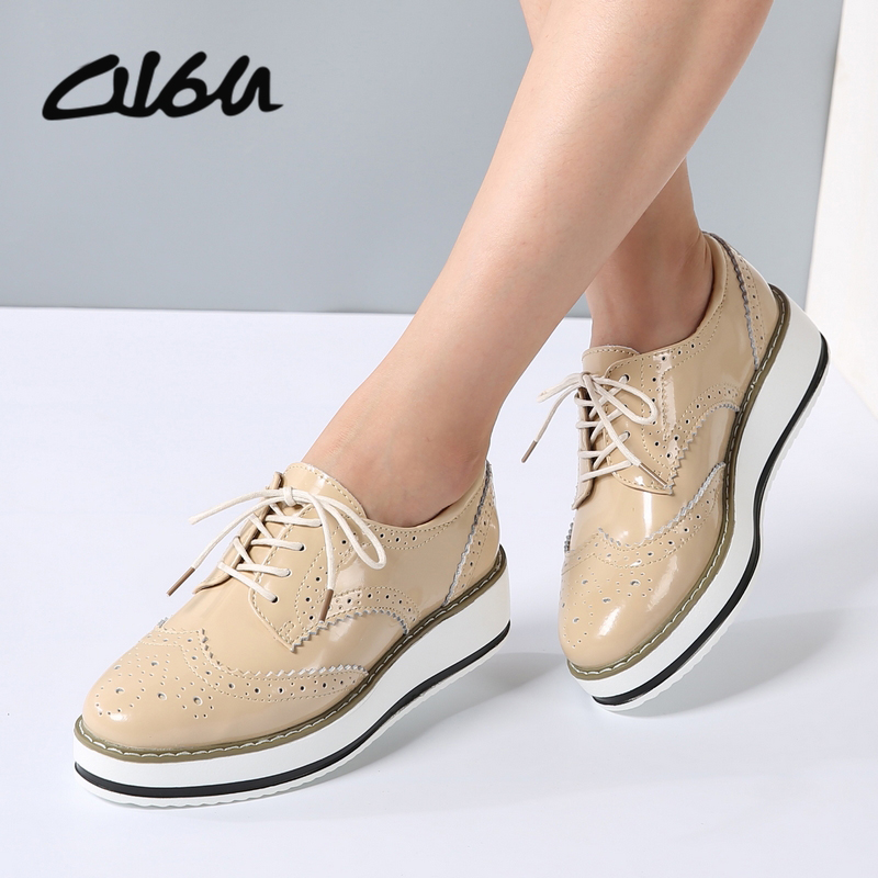 Women Oxfords Designer Flats Shoes Patent Leather Lace Up Pointed Toe Brand Female Footwear Shoes for women Creepers