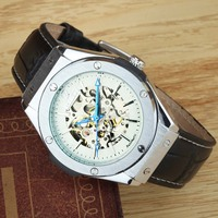 Luxury Brand Men Watches Leather Band Automatic Mechanical Watches Fashion Skeleton Wrist Watches Relogio Masculino WINNER