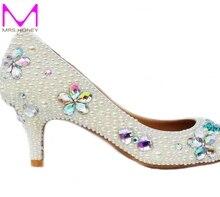 Handwerk Kätzchen Ferse Hochzeit Schuhe Elfenbein Perle Bankett Prom Party Schuhe Strass Brautschuhe runde Kappe formalen Kleid Heels