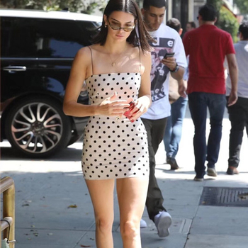 Kendall Jenner Sleeveless Polka Dot Sheath Dress Women Summer White Bodycon Wrap Mini Dress Sexy Spaghetti Strap Party Dress