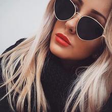 TOYEARN Vintage seksowne Panie kot oko okulary przeciwsłoneczne kobiety moda Clear Red okulary metal rama słońce okulary dla kobieta UV400 tanie tanio Sunglasses Stopu Fotochromowe antyrefleksyjne lustro UV400 Gradient Poliwęglan Dorosłych 55mm 45mm T0280 TOYEARN z