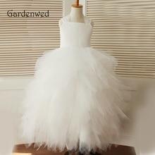 Gardenwed 2019 Ball Gown Floor Length Flower Girl Dresses White Lace Tiered Puffy Little Girls Kids Dress for Wedding недорого