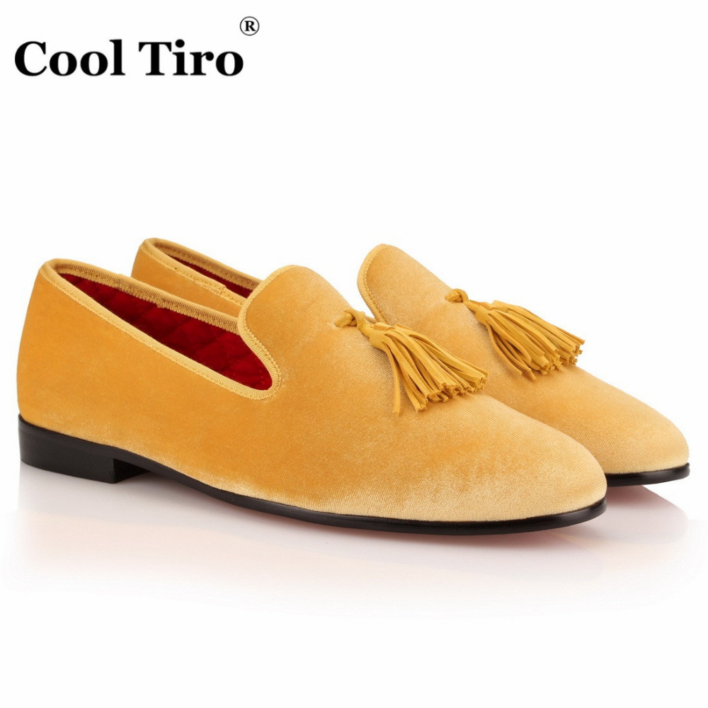 COOL TIRO Luxury Fashion Yellow Tassel Mens Velvet Loafers Shoes Men Party Wedding Dress Shoes Men's Smoking Slippers Flats new black embroidery loafers men luxury velvet smoking slippers british mens casual boat shoes slip on flat shoes espadrilles