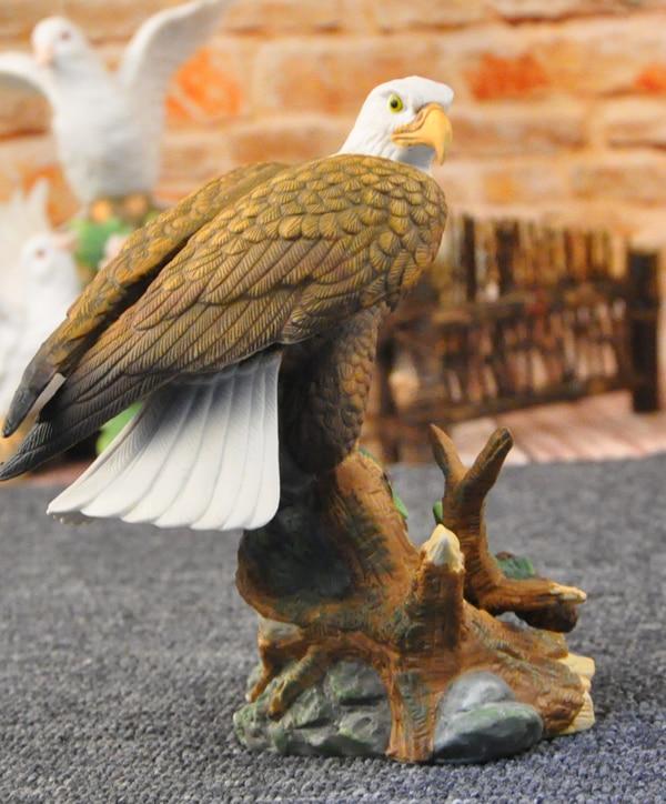 Ceramic european style home decoration exhibition eagle decoration gifts setting European style animal props dies