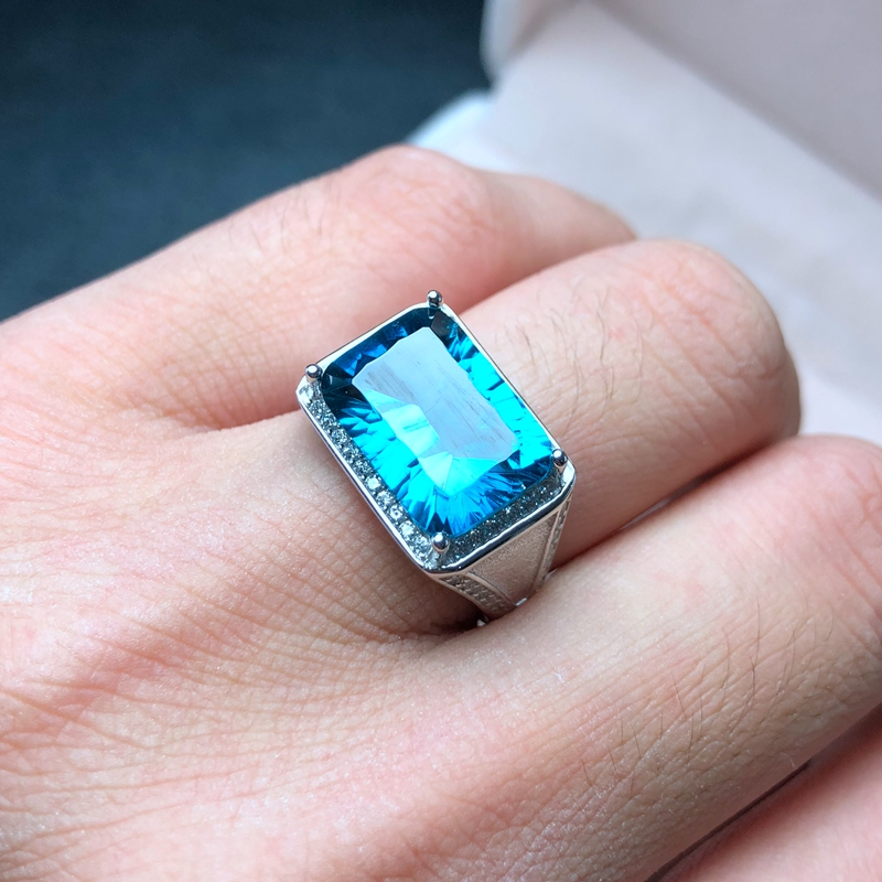Atmospheric mens ring, 925 silver, a variety of topaz, photo taken. Manufacturing, new processAtmospheric mens ring, 925 silver, a variety of topaz, photo taken. Manufacturing, new process