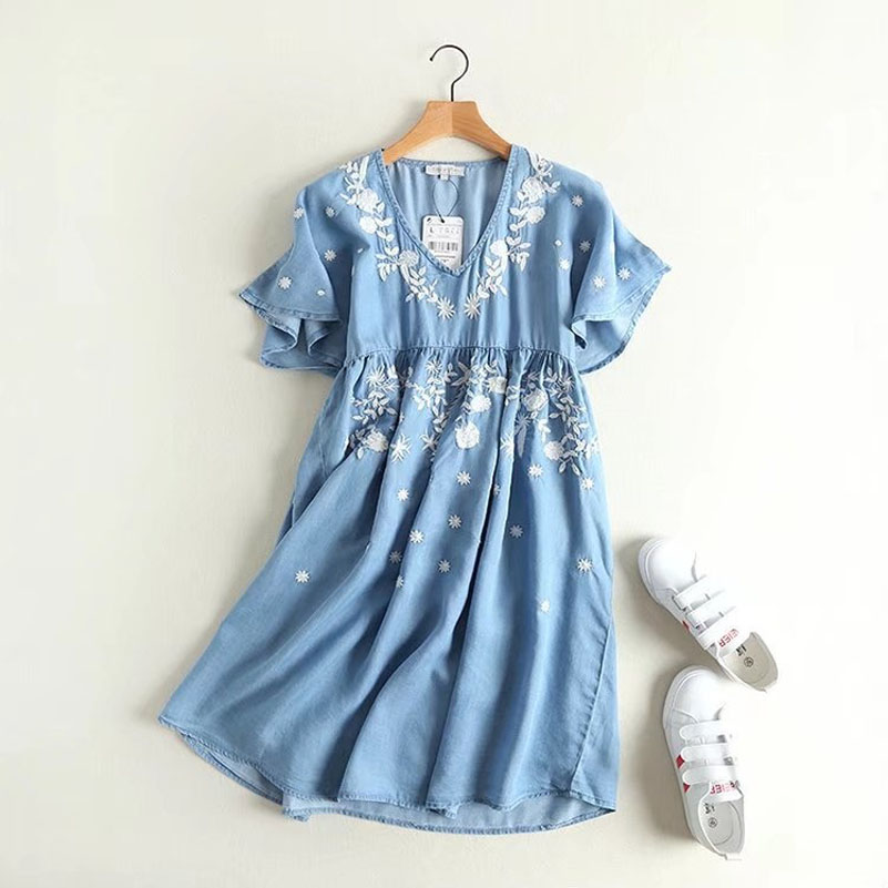 Women Summer Fashion V-neck Flora Embroidery Knee-Length Dress M/L