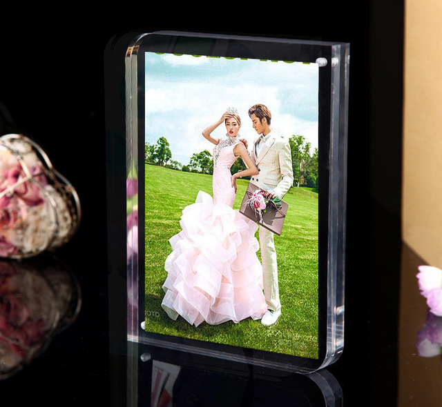 Free Standing Double Sided Seethrough Acrylic Magnetic Photo Picture