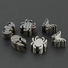 Płomień pająk TC4 nóż ze stopu tytanu koraliki narzędzie edc kask Paracord koralik akcesoria tanie tanio CAMISUENO Paracord Accessory Flame Gray Leaves Knife Beads