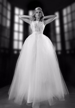 Sexy Puffy White sleeveless bridal dress wedding Applique Ball Gown Tulle 2015(YASA-6138)