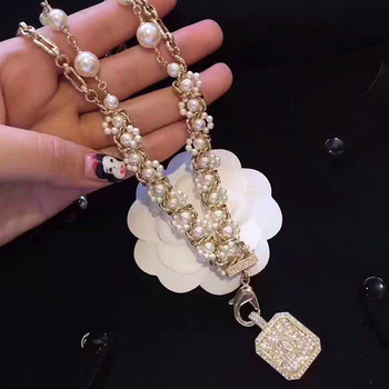 party multi-chain necklace