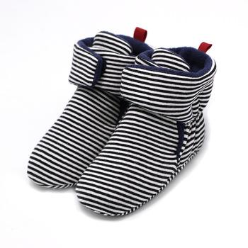 Newborn chłopcy dziewczyny zimowe ciepłe buty dla dzieci jednolity kolor taśmy bawełniane buty dziecięce miękkie dno niemowlę maluch buty pierwszy Walker tanie i dobre opinie Pierwsze spacerowiczów Hook loop Płytkie Pasuje prawda na wymiar weź swój normalny rozmiar Unisex Cotton Fabric Zima