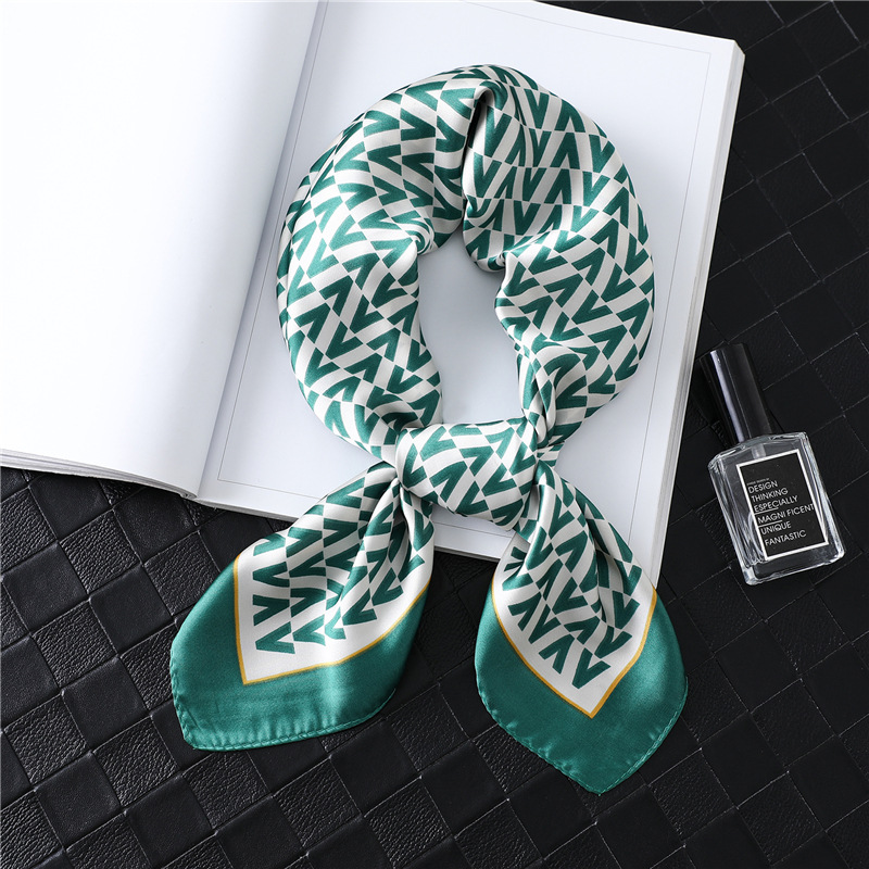 Luxury Letter Print Silk Square Scarf Women Hair Neck Scarfs Foulard Lady Head Band Small Hand Kerchief Shawls 2020 Fashion