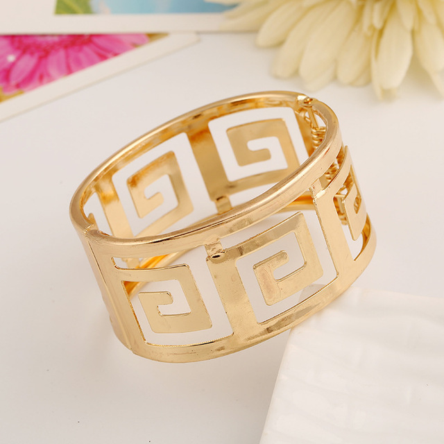 LZHLQ 2019 Fashion Geometric Hollow Wide Metal Bangle For Women Maxi Punk Bracelet Cuff Bangle Famous Brand Jewelry Accessories