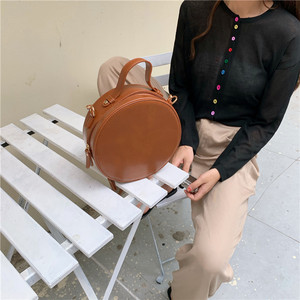 Image 1 - Новые круглые сумки через плечо для женщин, новинка 2019, сумка мессенджер через плечо из искусственной кожи, женские сумки на цепочке, женская сумка