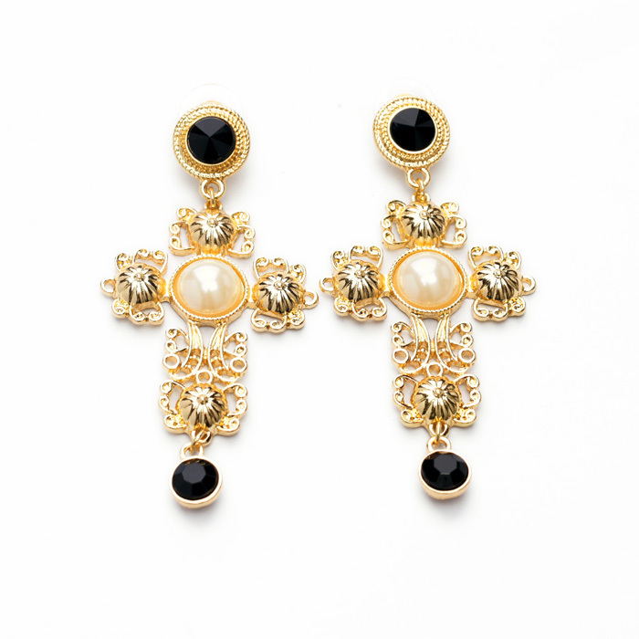 2015 chic designer new idea luxury shiny gold plated religion cross stud earringschina - Earring Design Ideas