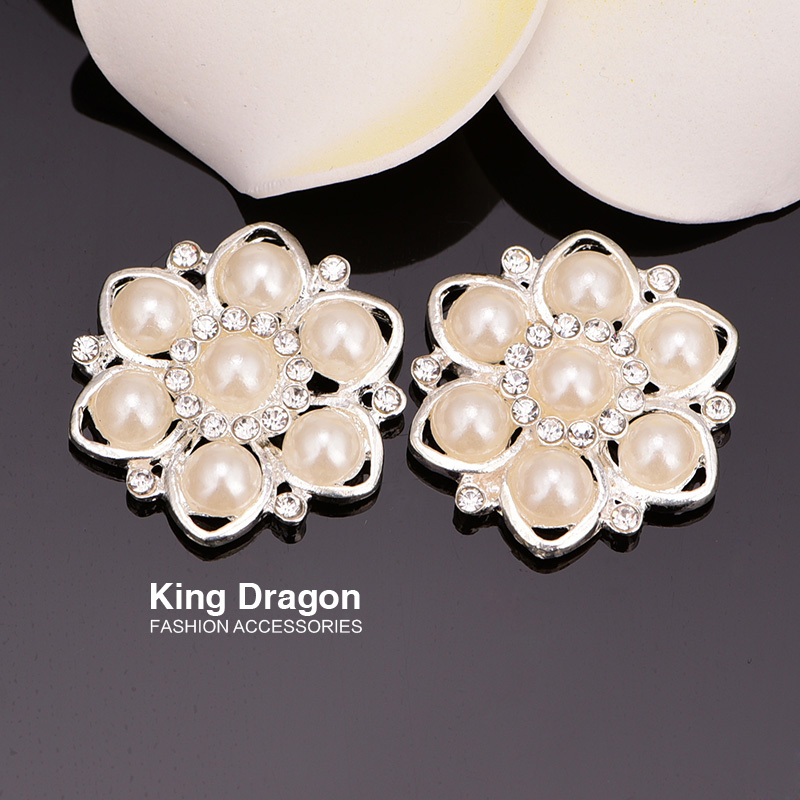 Sparkly Rhinestone Flower Buttons With Flat Back 100pcs/lot 30MM Silver Color Used On Invitation Card