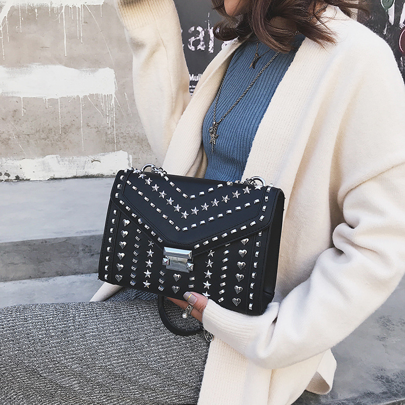 New Luxury Fashion Famous Designer Rivet Chain Shoulder Messenger Bags High Quality Women Purses and Handbags Louis Channels Bag