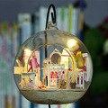 Brinquedos miniatura tamiya ligtht interés juguete bosque casa del árbol diy lodge mini princesa sala de cabina bola manual de montaje real