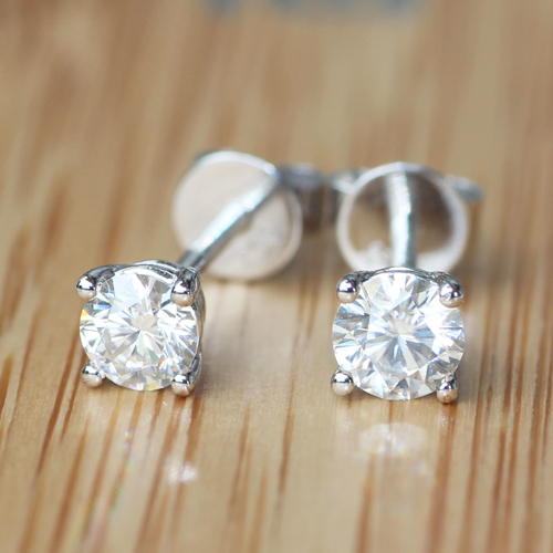 Queen Brilliance Genuine18K 750 White Gold Screw Back 1/2 Carat ct No Less Than GH Lab Grown Moissanite Diamond  Earrings