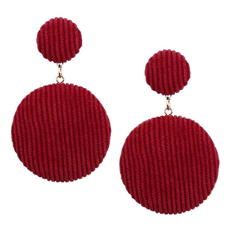 Korean Version of The Trend of The Trend of Gold Wire Button Long Earrings 2019 New Party Gifts in Drop Earrings from Jewelry Accessories