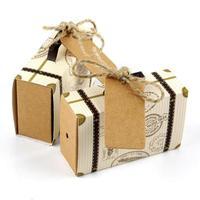 50 pz/lotto Mini Valigia Kraft Candy Box Regalo di Nozze Scatole Viaggiatori Festa A Tema per Anniversario di Matrimonio Compleanno Baby Shower Box PCK6241