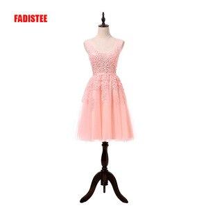 Image 2 - מכירה לוהטת מסיבת קוקטייל שמלות קצר Vestido דה Festa מיני סקסי אפליקציות שמלת V צוואר ואגלי פנינים