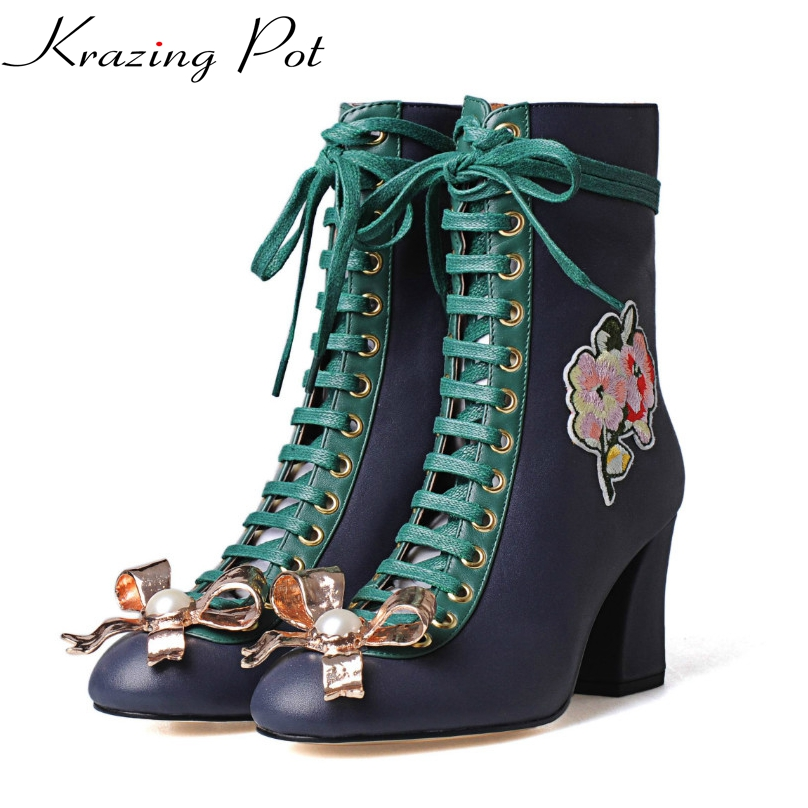 17 New fashion brand winter shoes lace-up pearl genuine leather solid women ankle boots thick heels bowtie embroidery boots L6f1 z suo brand new winter women motocycle boots leather lace up ankle martin boots shoes black brown high quality