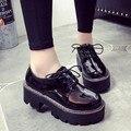 Женщины Brogue Обувь зашнуровать Плоской Платформой Обувь Цветочные Толстые нижние Оксфорды Для Женщин Топ PU Кожаные Ботинки Женщина Случайные плоские
