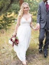 Charming A Line V Neck Spaghetti Straps White Lace Wedding Dresses Beach