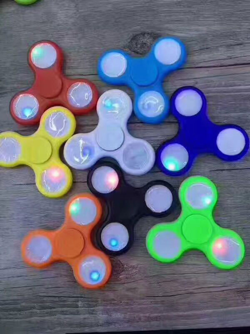 Fidget spinner hand spinner gyro button with light gyro fingertips rotating decompression gyro EDC toys