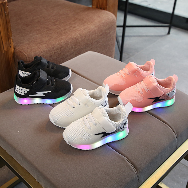 2018 fashion cool LED high quality kids shoes unisex girls boys shoes cool breathable Spring/autumn cute children sneakers
