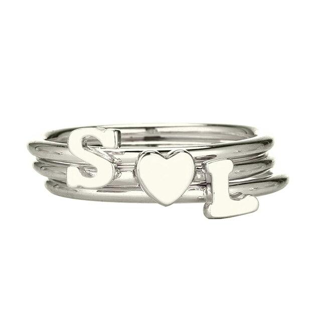 108256c46e99 Venta al por mayor personalizada inicial apilado anillo plata nombre  inicial corazón anillo amor Pequeño anillo
